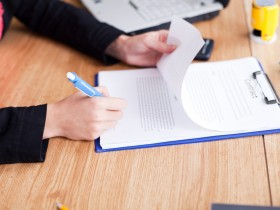 business woman sign up contract